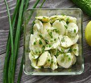 Салат из огурцов и зеленых яблок с фото